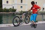Rad und Reiter - Manfred mit seinem Rotwild-Prototypen