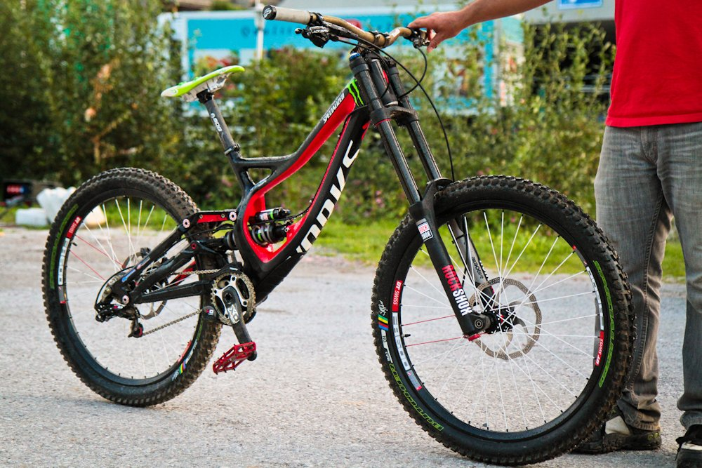 SAM HILL Demo Carbon-1